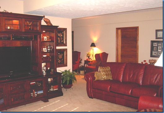 Family room and rec side 002