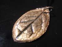 colgante de hoja   Joyas de Bisutería con pasta de plata