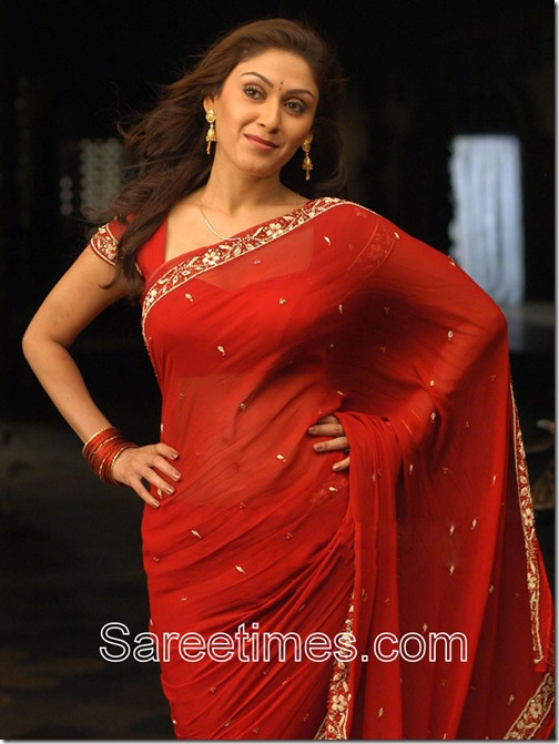 Manjari_Phadnis_Red_Saree