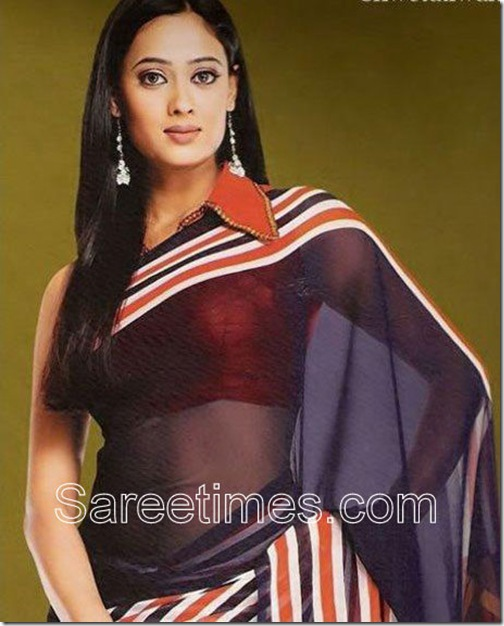 Shweta_Tiwari_Collared_Saree_Blouse
