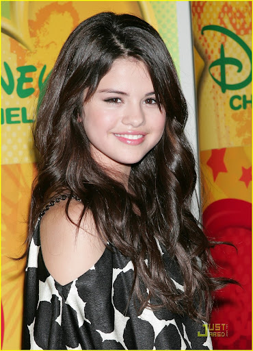 Elizabeth A. Masen Selena-gomez-princess-press-04