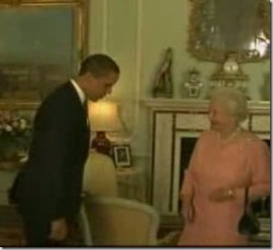 obama-bowing-to-queen