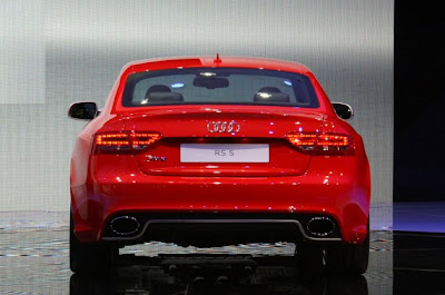 2011 Audi RS5-03.jpg
