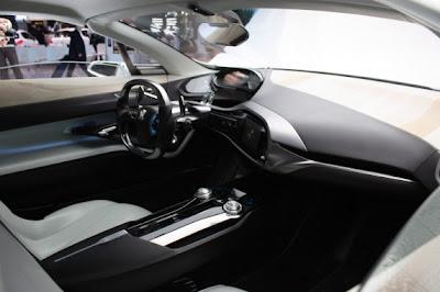 Peugeot SR1 Concept-02.jpg