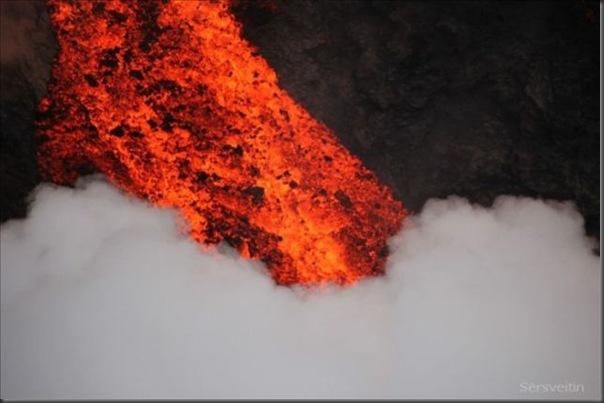 Uma erupção do vulcão islandês (4)