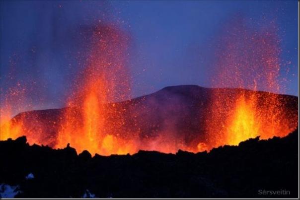 Uma erupção do vulcão islandês (8)