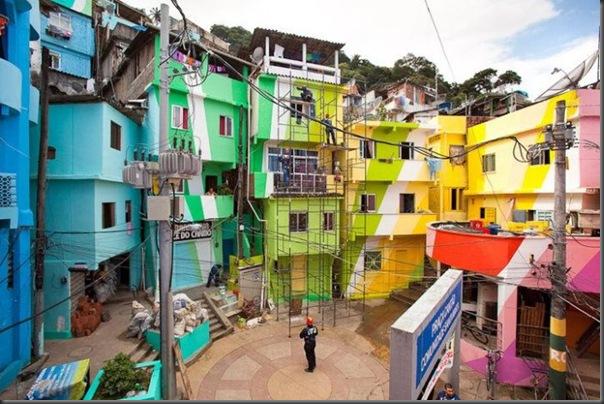Pinturas coloridas na Favela de Santa Marta no RJ (7)