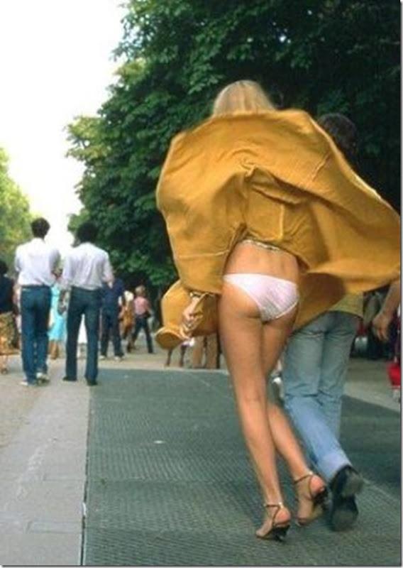 Belas garotas de mini saia   vento = Uma combinação perfeita (18)