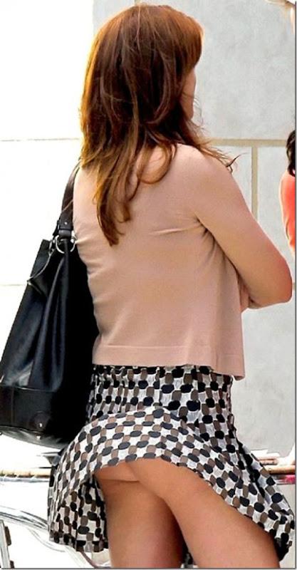 Belas garotas de mini saia   vento = Uma combinação perfeita (29)