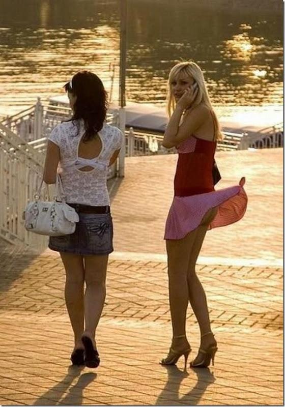 Belas garotas de mini saia   vento = Uma combinação perfeita (2)