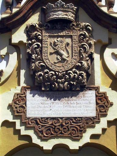 Escudo de la Piedra escrita de Rafaelji
