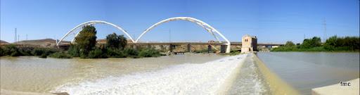 Panorámica del puente azud y antigua central.