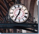 220px-Clock_in_Kings_Cross