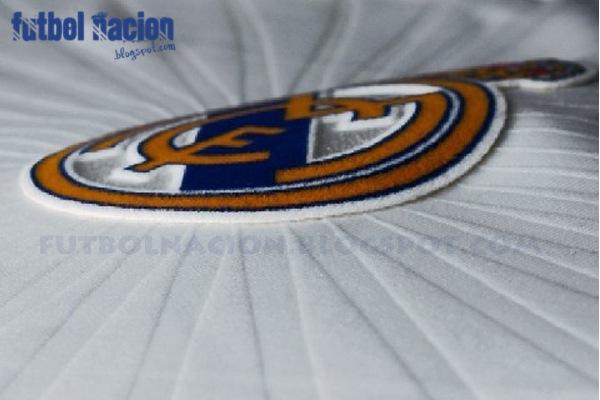 detalle Adidas Real Madrid 2010-2011