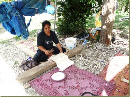 Making tapa cloth for dresses
