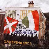 Mirall irlandès mural Belfast.JPG