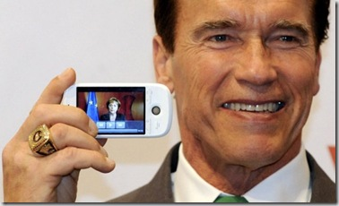 arnold_schwarzenegger_htc_magic-600x356