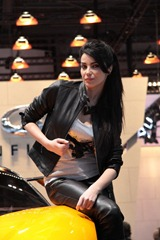 geneva_booth_babes_28_01