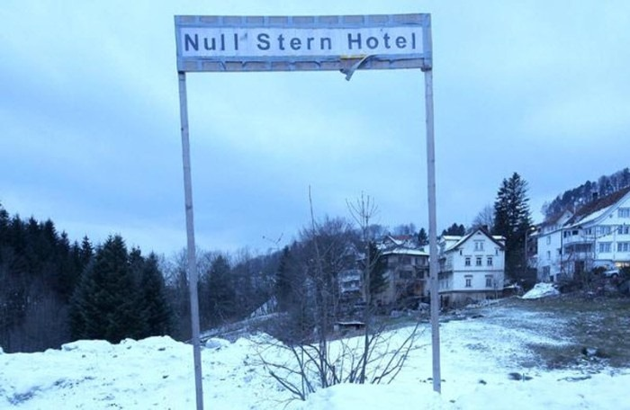 null stern hotel of switzerland bomb shelter turned hotel amusing planet. Black Bedroom Furniture Sets. Home Design Ideas