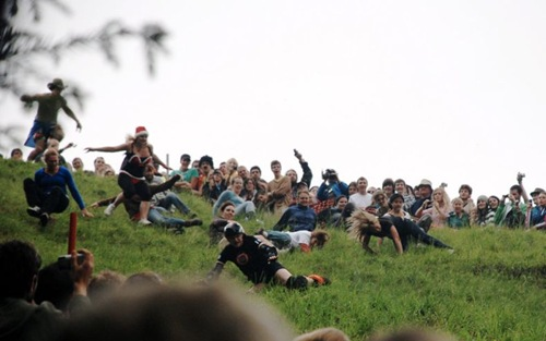 cheese-rolling (9)