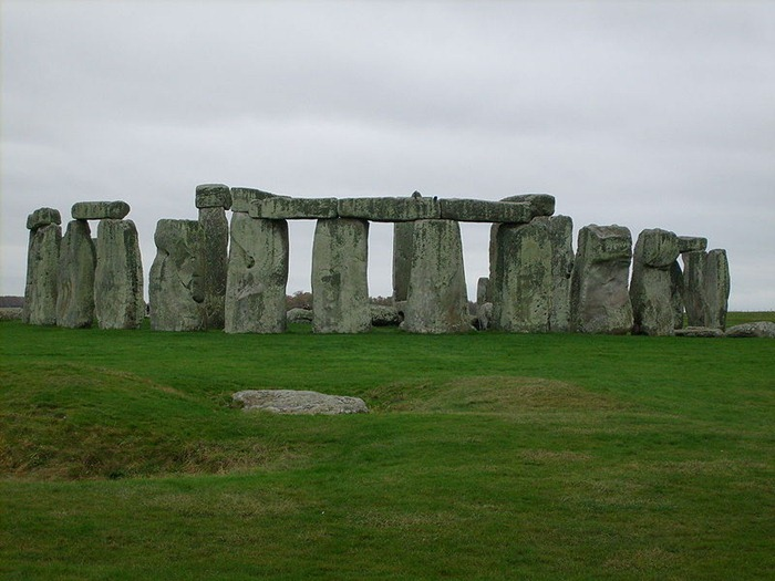 The megaliths of great britain amusing planet for Famous monuments around the world