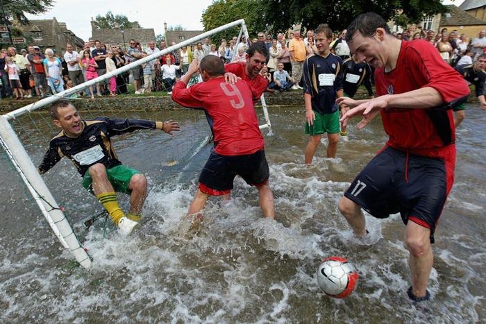 river-football (1)