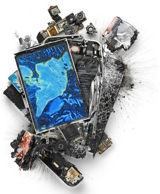 destroyed-apple-products (6)