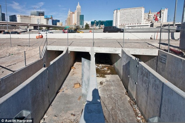 las-vegas-tunnel-people (5)