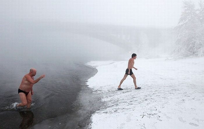 winter_swimming_in_siberia_01