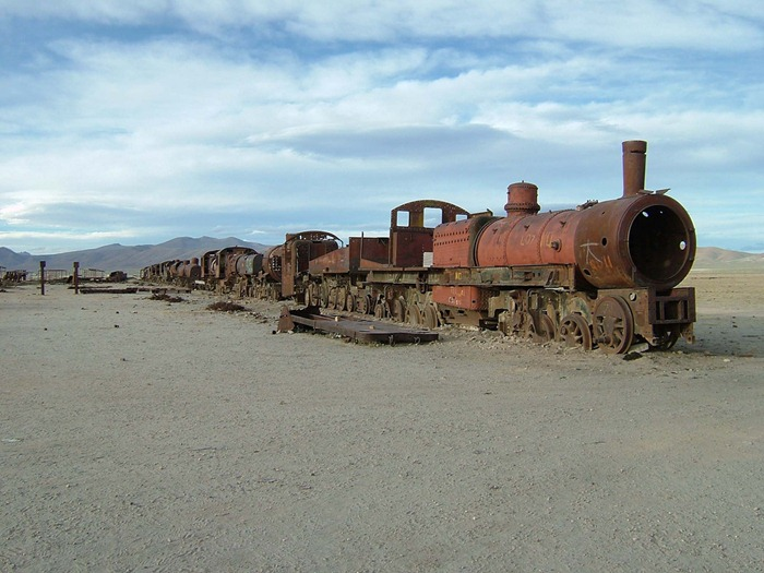 train-graveyard1