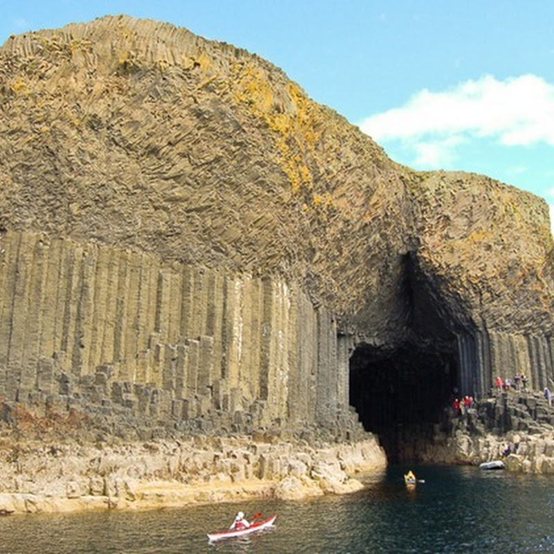 Spectacular Caves and Rocks at Staffa Island