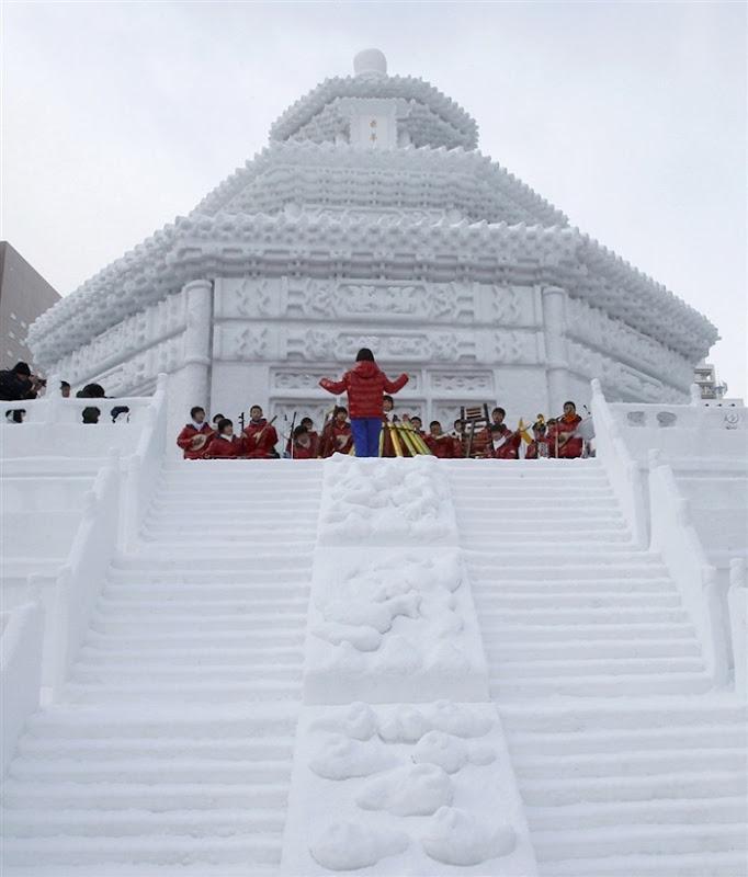 snow-festival-japan9
