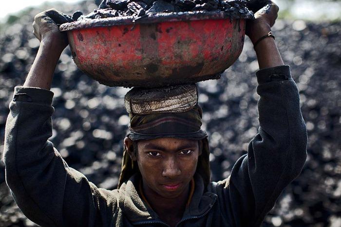 India-Child-Coal.09