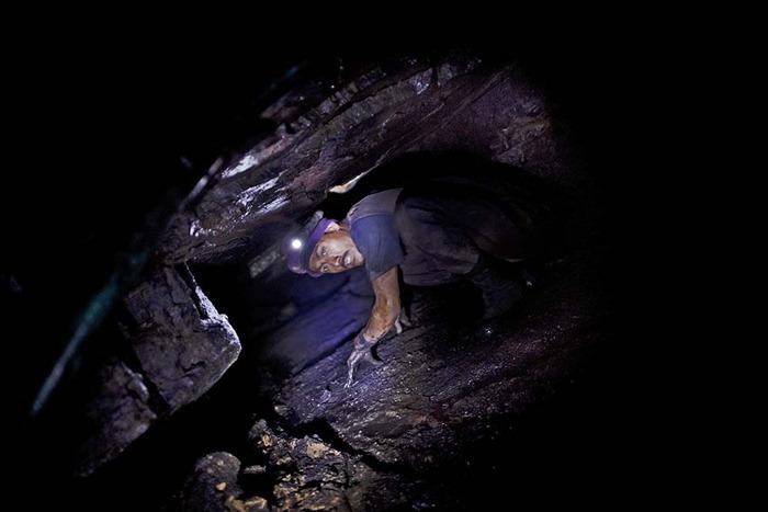 India-Child-Coal.10