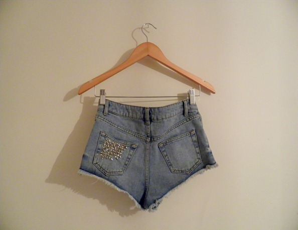 STUDDED DENIM SHORTS 2