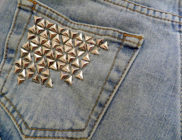 STUDDED DENIM SHORTS 3