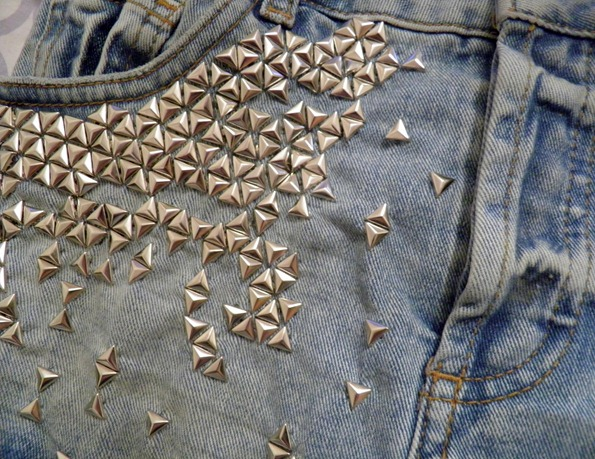 STUDDED DENIM SHORTS 4