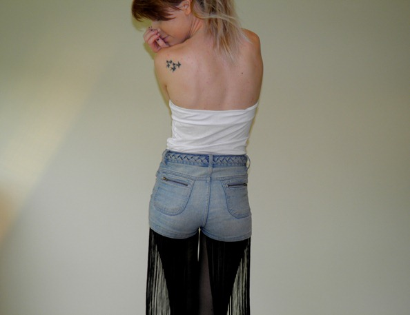 FRINGED TASSLE DENIM SHORTS 1