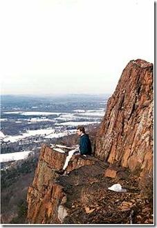 250px-Mount_Tom_Massachusetts
