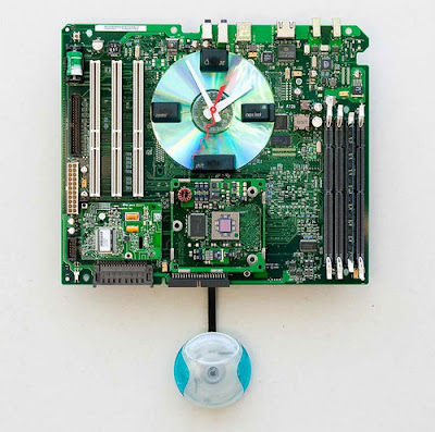 Wall clock recycled from computer motherboard