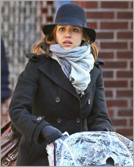 Jessica Alba Jessica Alba Daughter Honor Out 11