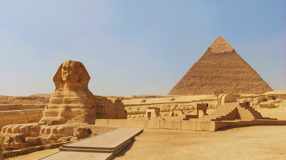 The Sphinx and the Pyramid of Khafre in Giza, Egypt