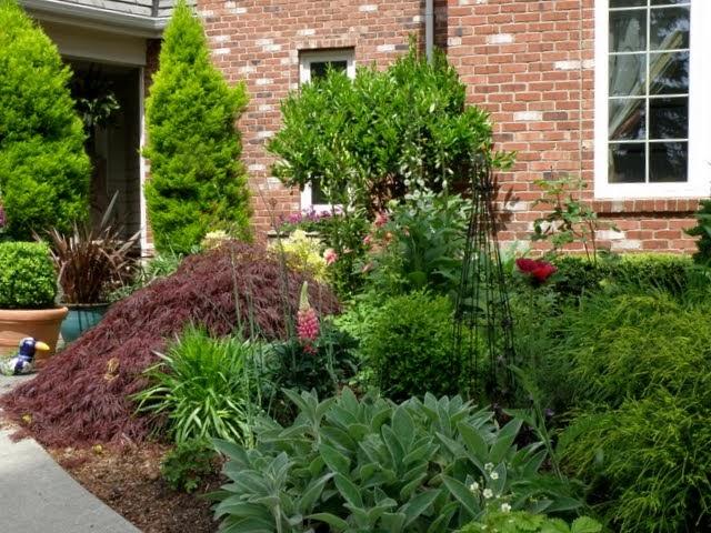 mysecretgarden front flower bed summer transformation