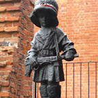 Monument to child soldiers.jpg
