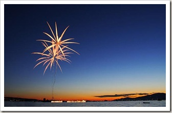 20070601232820_2006-07-27-fireworks-001-600 (Small)