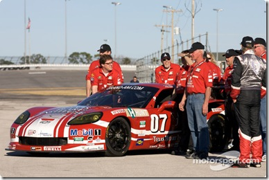 28-31.01.2010 Daytona, USA,  Godstone Ranch Motorsports/Team MBR Corvette team arrives at the GT cars group shot