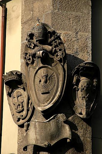 Escudo de armas de Soriano (cresta de la familia) Iman De Nevera por. Another family crest. Steve