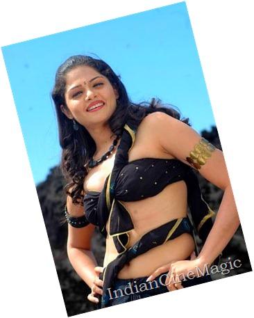 nagaram-anuya-hot1