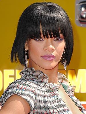 pictures of rihanna hairstyles 2010. Rihanna+short+haircut+2010