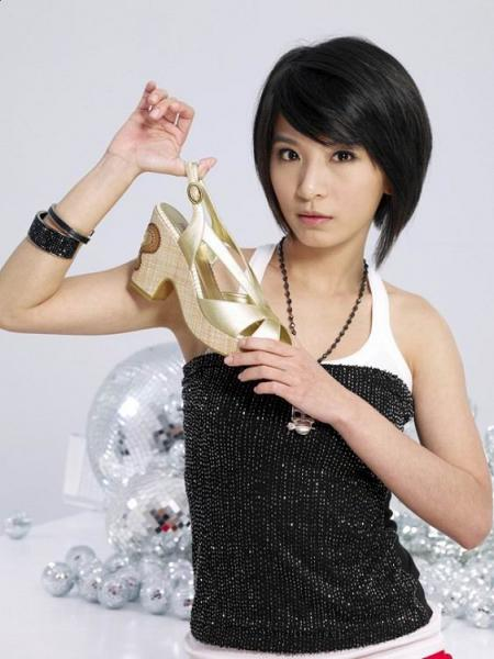 2010 cute asian short hair style from Hebe